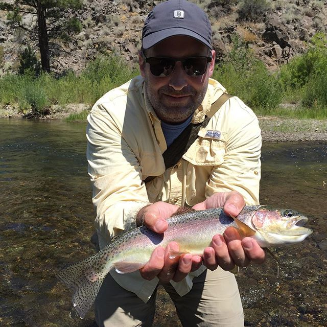 John from PA fished with us yesterday and stuck this nice wild rainbow on a huge golden stone dry! Awesome day with no anglers in sight ! Just us and the fish…#dryfly #catchandrelease #wildrainbows #alpineflyfishing #tahoetroutsyndicate #eastsideplayers #scottflyrods #solitudeflies #nocrowds