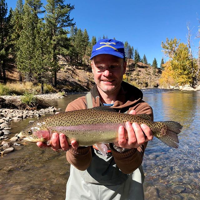 The big dogs are bulking up getting ready for winter! Falko and his Dad came all the way from Germany  to visit and fish with us … Looks like that worked out well for them !#fallfishing #flyfishing #scottflyrods #alpineflyfishing #tahoetroutsyndicate #catchandrelease #easternsierras #getoutside #booktoday #whyareyoustillreadingmyhashtags