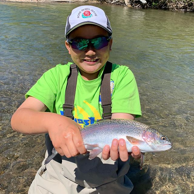 Family day yesterday for the opening of PV was a huge success! Don't wanna deal with the crowds of summer ? Call us today to book the Preserve for your group or family ! You will not be disappointed !••••#alpineflyfishing #rainbowtrout #scottflyrods #familygoals #kids #takeakidfishing #flyfishing #catchandrelease #guidedflyfishing #fishpondusa #seewhatsoutthere #laketahoe #alpinecounty